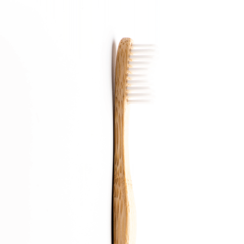 Зубная щетка для взрослых Humble Brush Adult (Белая, мягкая)
