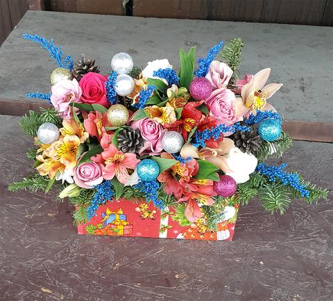 Ящик с цветами Новый Год 7