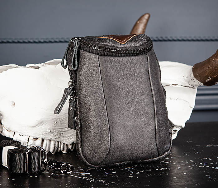 BAG517-1 Кожаная сумка на пояс с ремнем и карабином фото 03