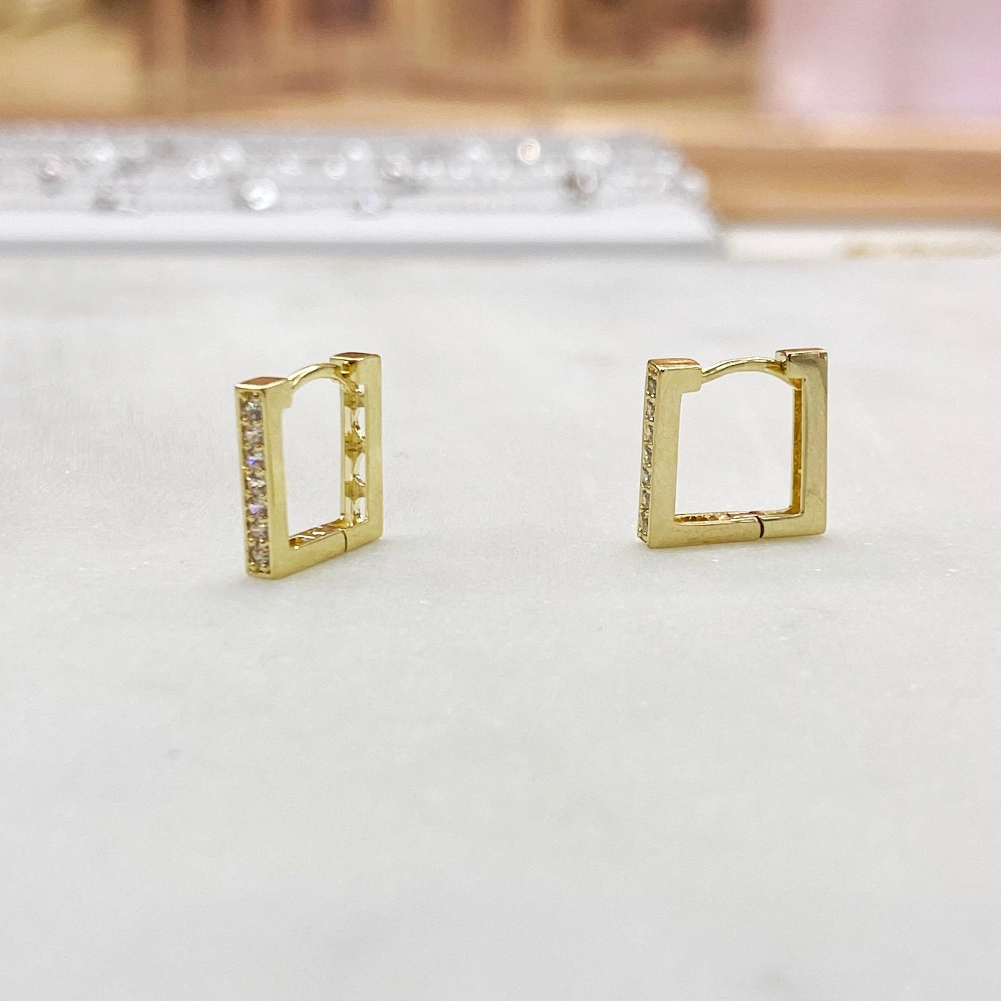 Серьги мини-конго квадратные с цирконами (золотистый)