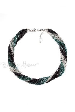 Бисерное ожерелье из 36 нитей черно-зеленое