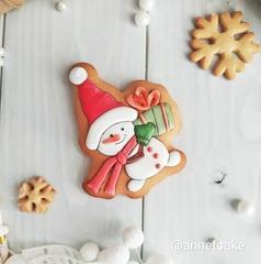 Снеговик №12 с подарком