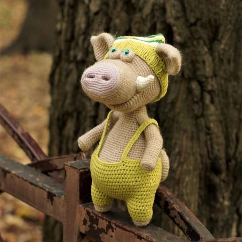 Свинка Ли вязанная - игрушка ручной работы
