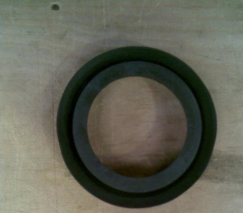25242628 Уплотнение резиновое диа. 76 мм для молочной колбы 100 л