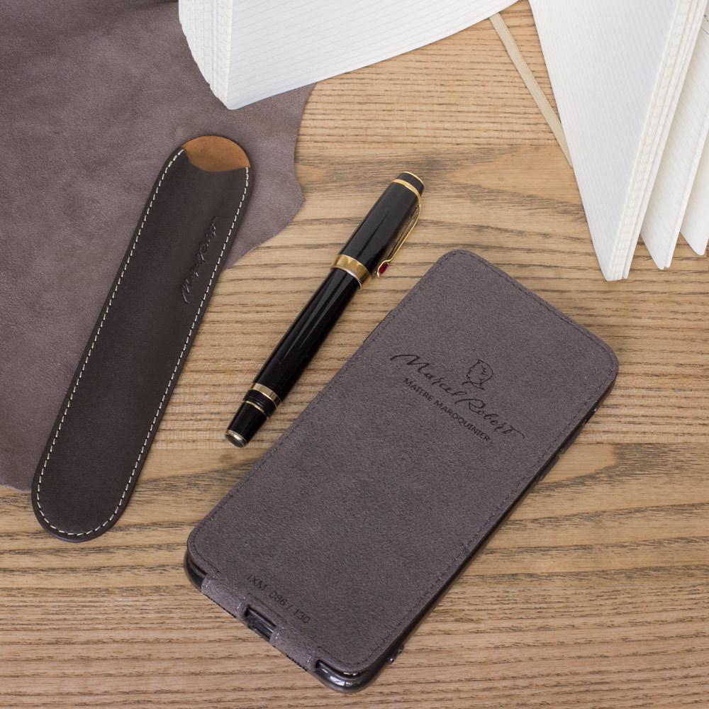 Чехол для ручки Stylo Bicolor из натуральной кожи теленка, темно-коричневого цвета