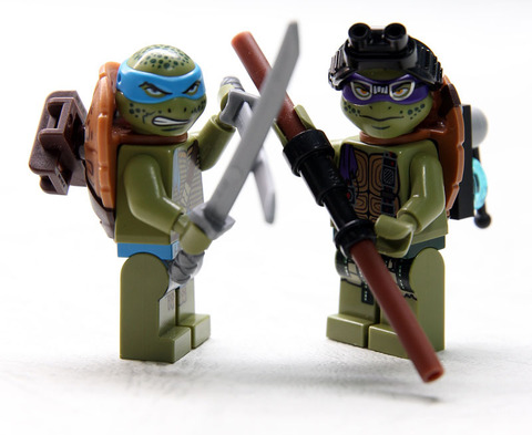 LEGO Ninja Turtles: Вторжение в логово черепашек 79117 — Turtle Lair Invasion — Лего Черепашки-ниндзя мутанты