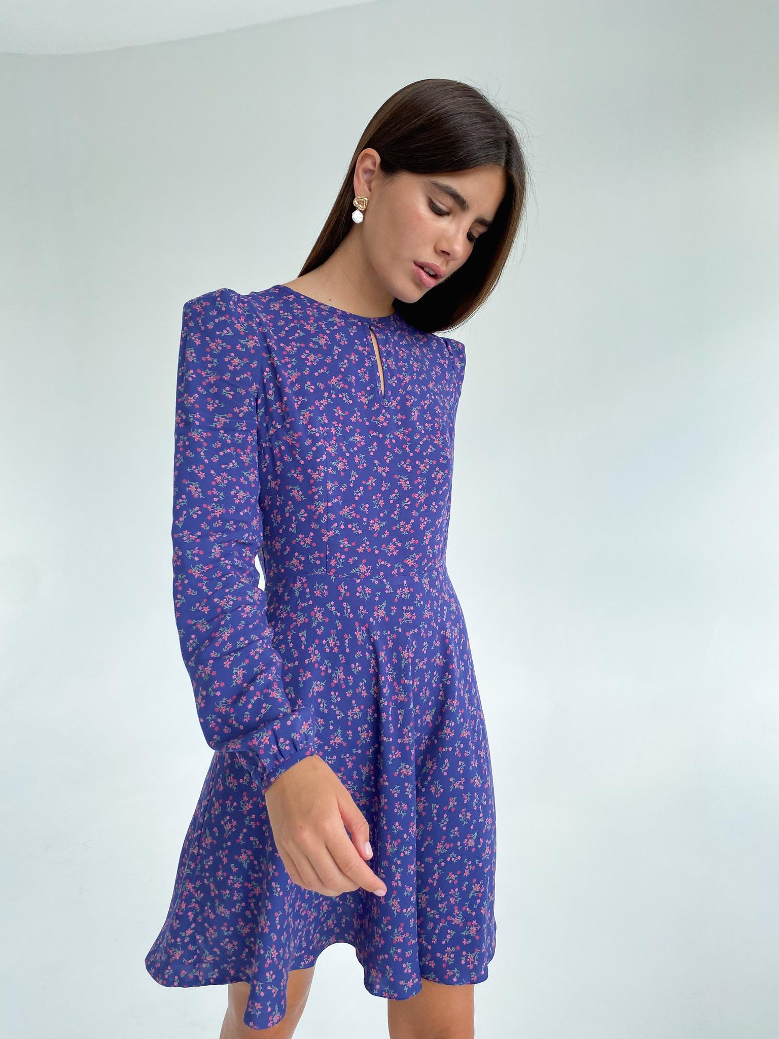 Платье с пышным рукавом и короткой юбкой солнце (розовые цветы на фиолетовом)