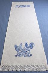 Дорожка на стол в традиционном стиле