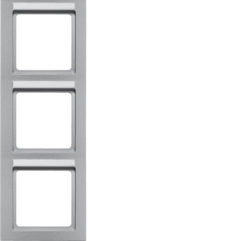 Рамка на 3 поста с полем для надписей вертикальная. Цвет Алюминий. Berker (Беркер). Q.3. 10536094