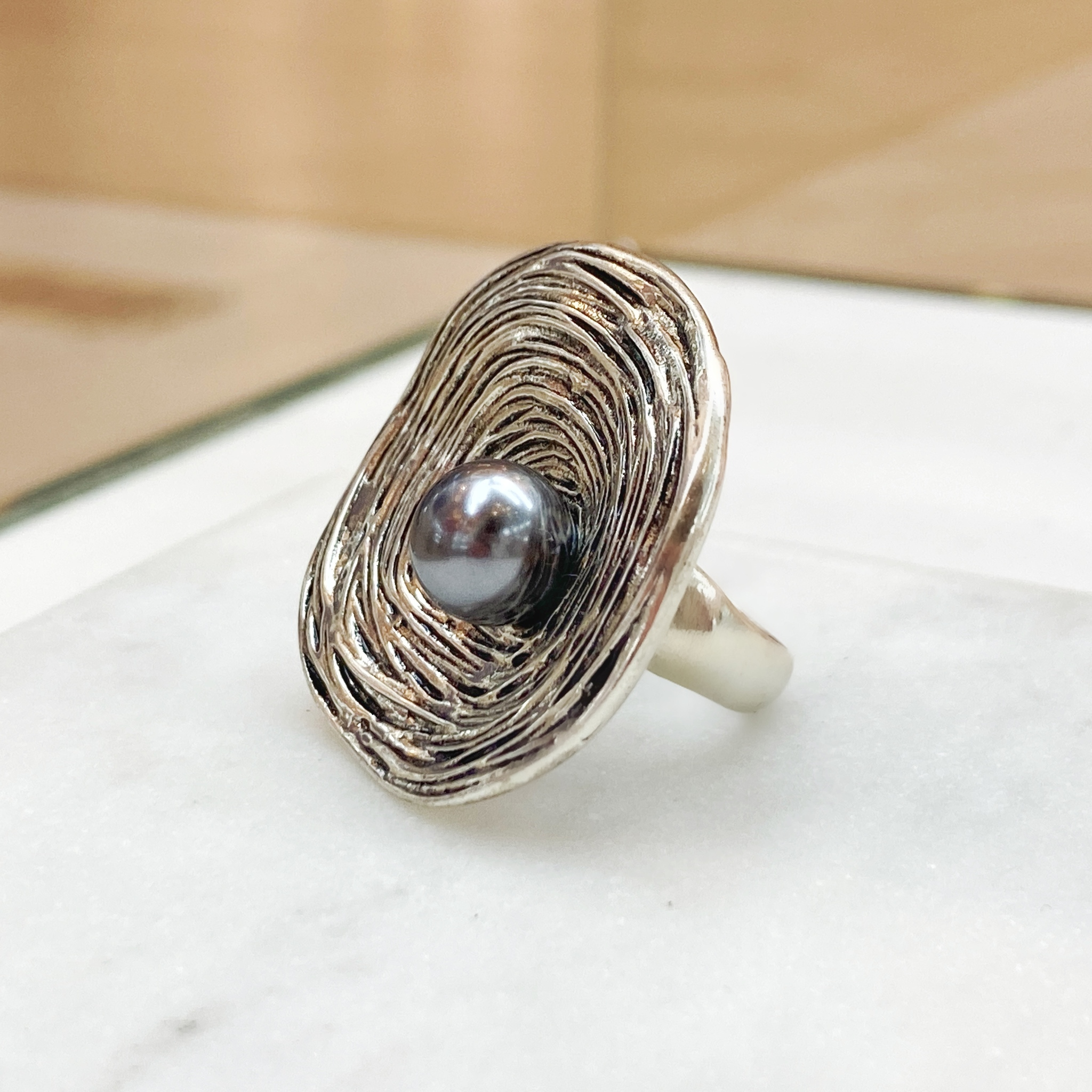 Кольцо Клубок с жемчугом (чернение, серебристый)
