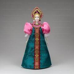 Сувенирная кукла в маленьком прямом кокошнике