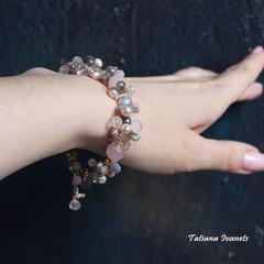 Дизайнерский браслет из жемчуга, розового кварца и лабрадорита