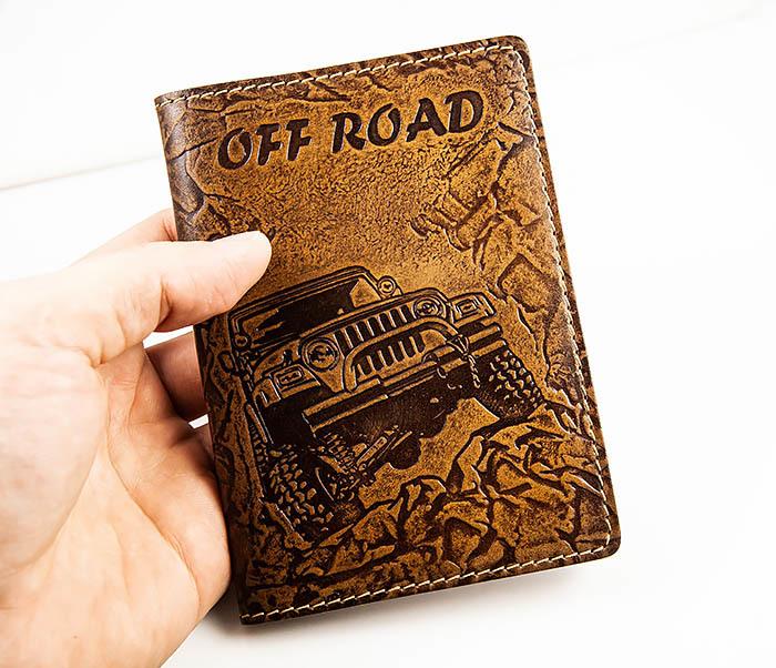 BY04-04-08 Кожаная подарочная обложка документница «Off Road» фото 02