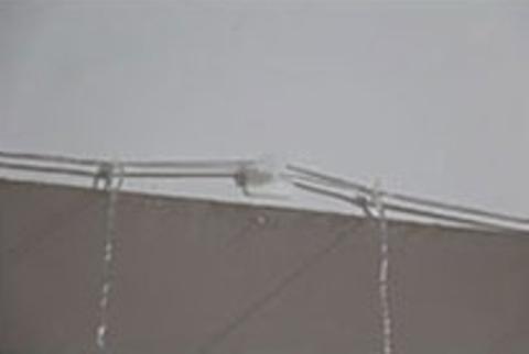 Крючки для подвешивания гирлянды