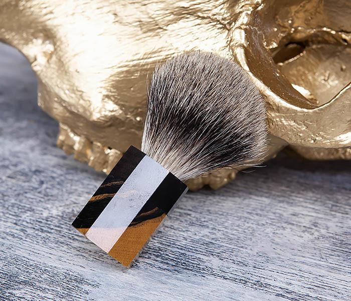 RAZ403 Помазок из барсучего волоса с рукояткой из эбена