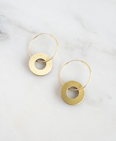Серьги Disc Charm Hoops in Brass