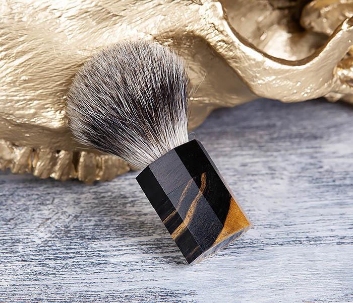 RAZ403 Помазок из барсучего волоса с рукояткой из эбена фото 03