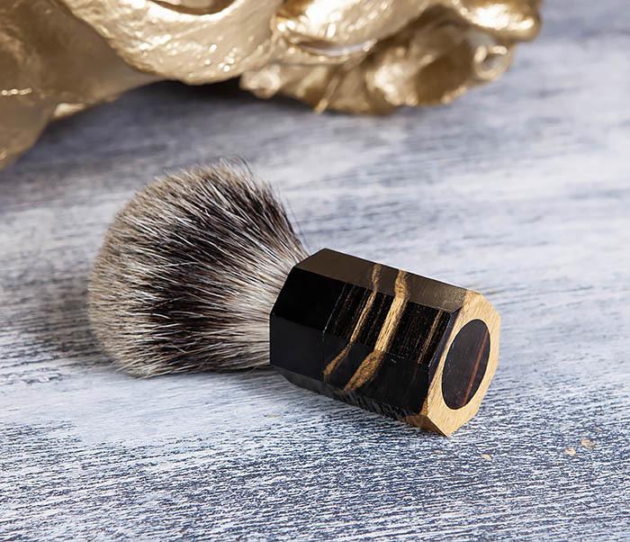RAZ403 Помазок из барсучего волоса с рукояткой из эбена фото 05