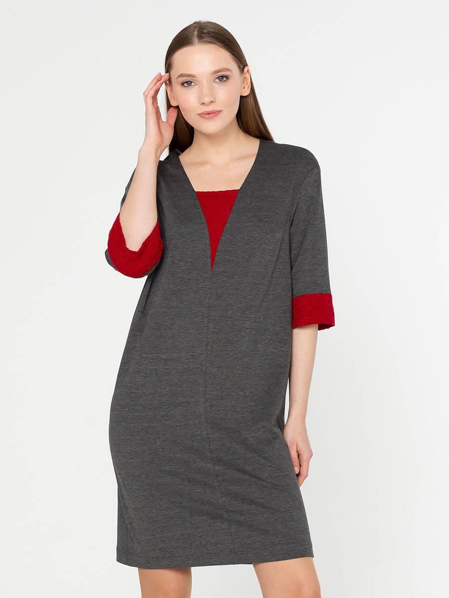 Платье З133-636 - Практичное трикотажное платье графитового цвета выполнено из качественной итальянской ткани.Прямой силуэт подходит для всех типов фигур и при необходимости скрывает возможные несовершенства. Длина до колена визуально удлиняет ноги, а V- образный вырез визуально удлиняет линию шеи.Рукава 3/4 обрамлены насыщенно-красными манжетами, что создает эффект контрастного сочетания спокойного основного цвета и сочного декора платья.Для завершения сногсшибательного модного образа рекомендуется обувь в цвет вставкам.