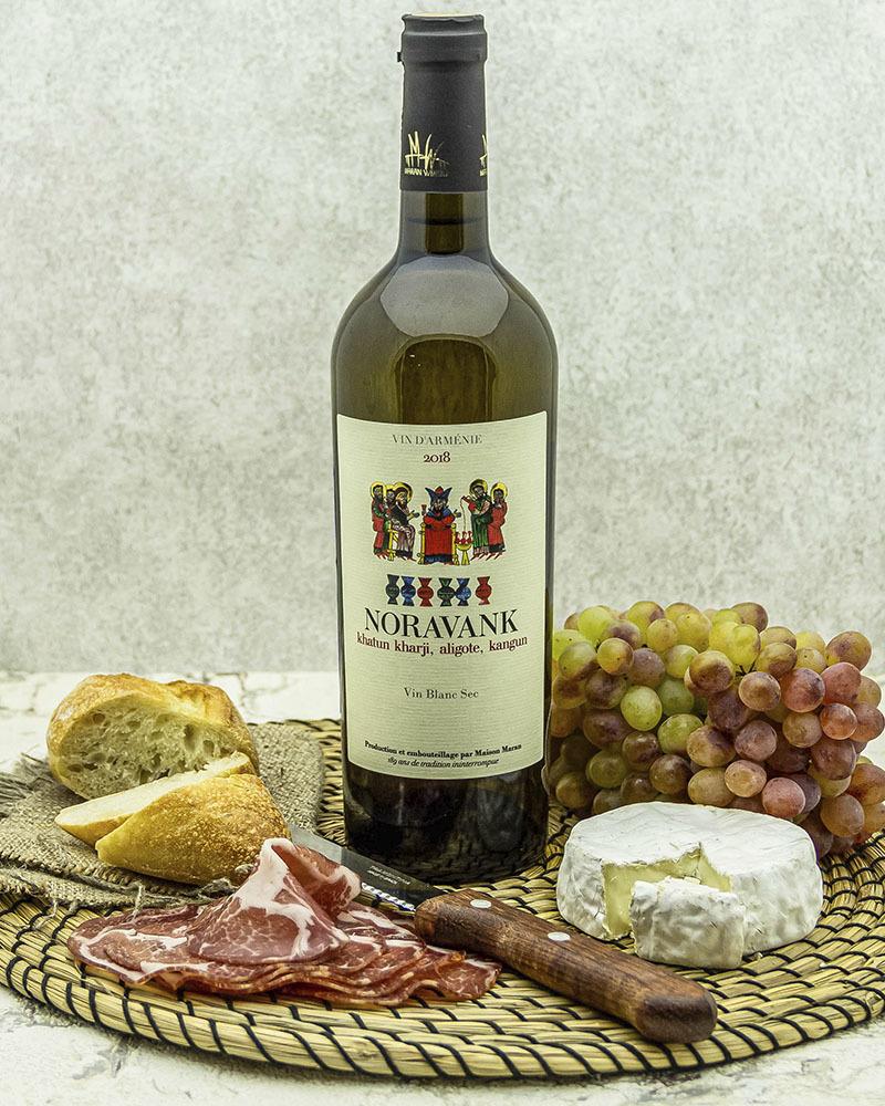 Вино Maran Winery Нораванк Белое сухое 2018 г.у. 13 % 0,75 л.