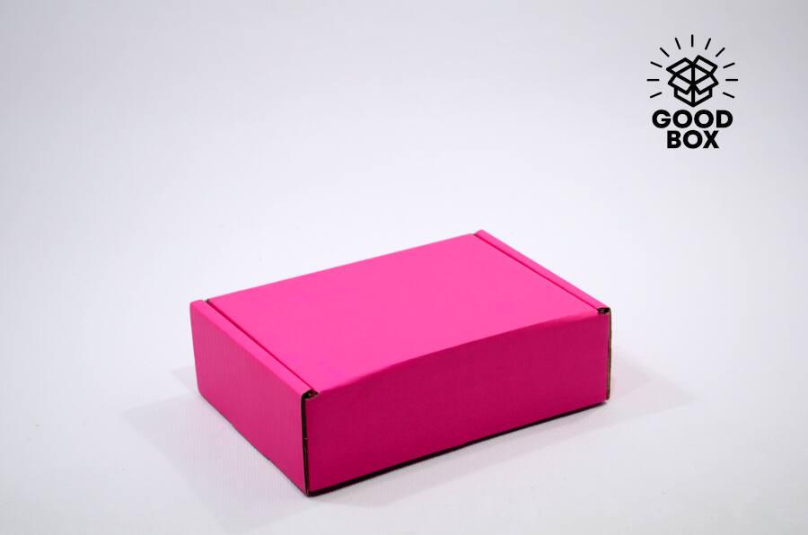 Розовая крафт коробка