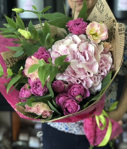 Flowers Delivery To Tbilisi