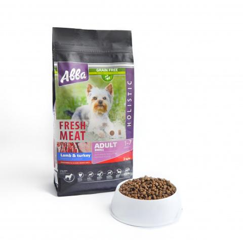 Fresh Meat Adult Small корм для собак мелких пород старше 1 года, с ягненком и индейкой, 2 кг.