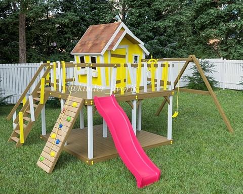 Детский двухэтажный деревянный домик