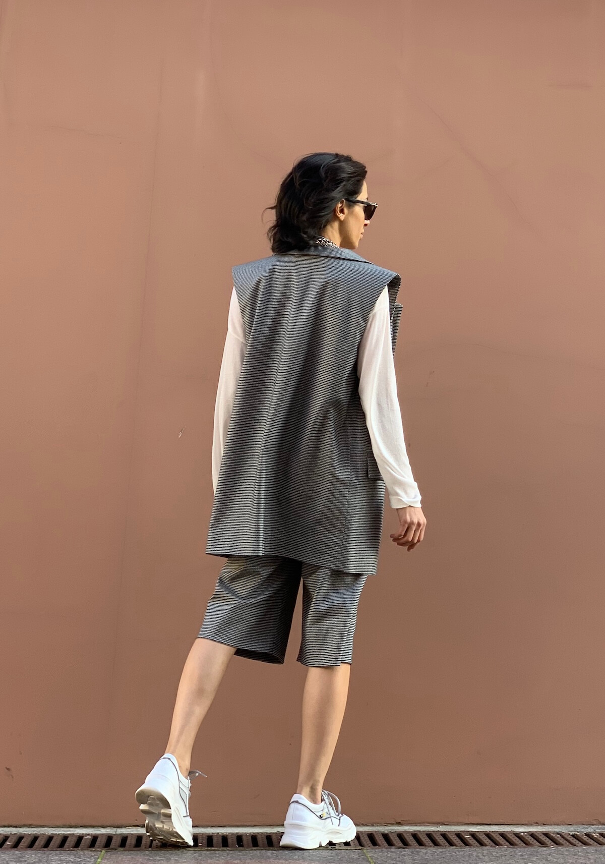Бермуды из костюмной шерсти удлиненные, гусиная лапка черная
