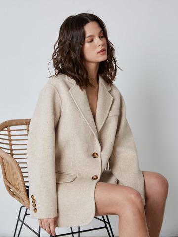 Пальто-жакет на пуговицах светло-серый меланж