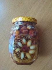 Орехи  и инжир с медом