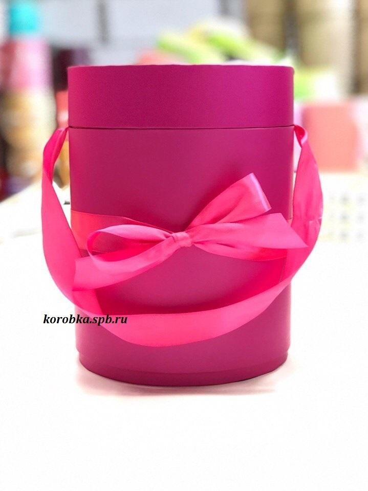 Шляпная коробка  D18 см Цвет: фуксия .  Розница 450 рублей .