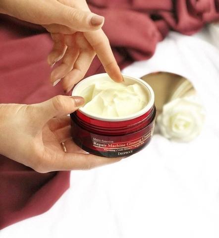 Многофункциональный восстанавливающий крем с женьшенем Deoproce repair machine ginseng cream
