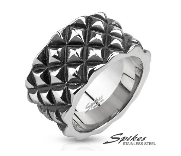 R-Q7025 Брутальное мужское кольцо из стали с шипами. «Spikes»