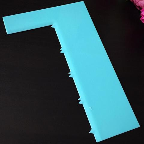 Шпатель кондитерский  голубой СТРУНЫ (Высота узора 155мм.)