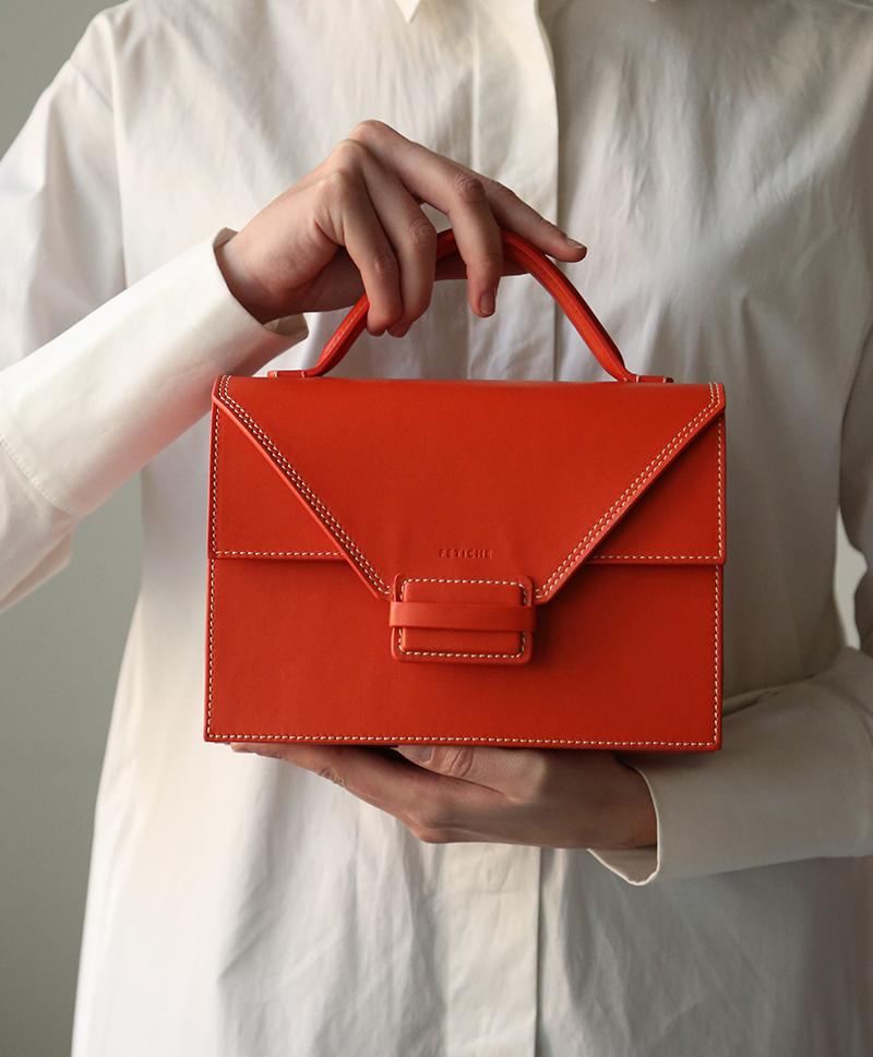 красный-портфель