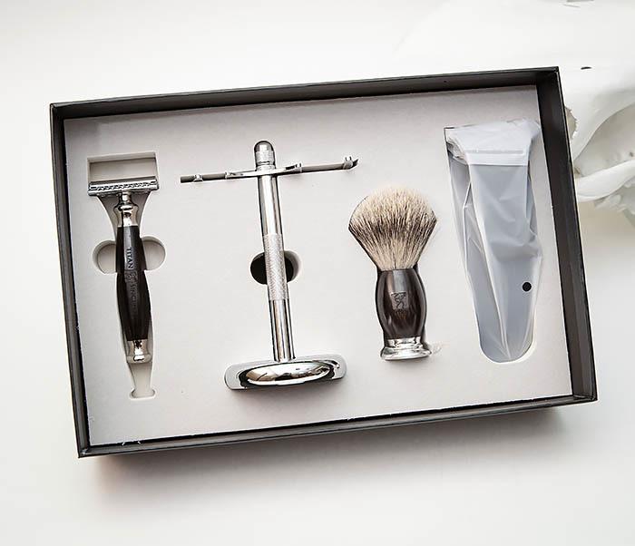 RAZ490 Подарочный набор для бритья «TITAN» с классическим станком фото 02
