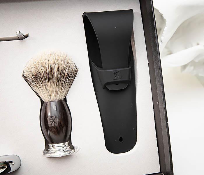 RAZ490 Подарочный набор для бритья «TITAN» с классическим станком фото 03