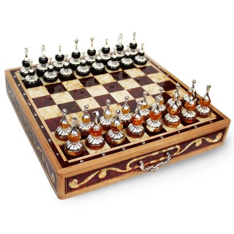 Янтарные шахматы с белой бронзой/серебром