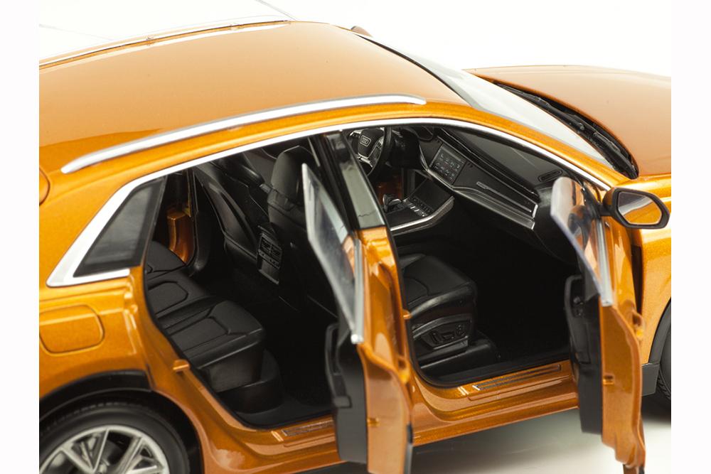 Коллекционная модель AUDI Q8 4x4 2018 ORANGE METALLIC
