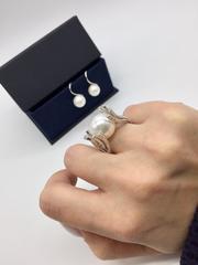 90256 - Роскошное кольцо Веточки из серебра с жемчугом и фианитами