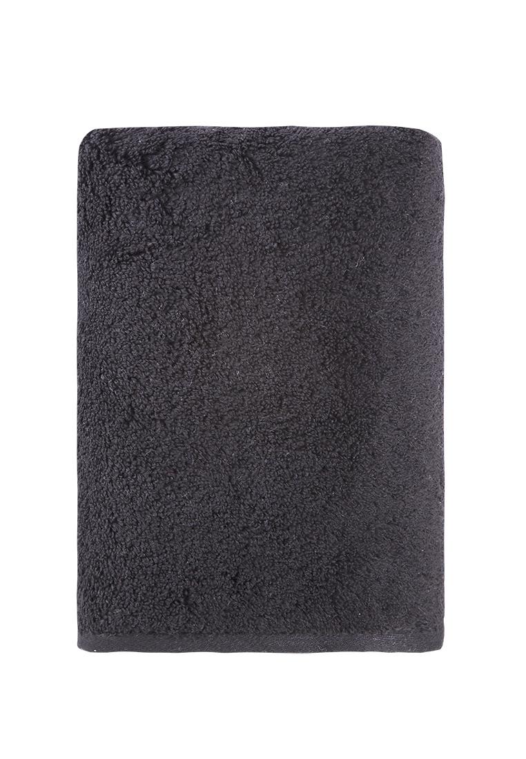 Черное махровое полотенце