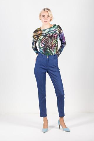 Фото голубые брюки зауженного силуэта с эффектом джинсовой ткани - Брюки А474-593 (1)