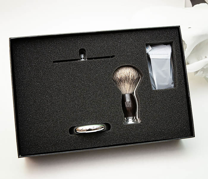 RAZ490 Подарочный набор для бритья «TITAN» с классическим станком фото 16