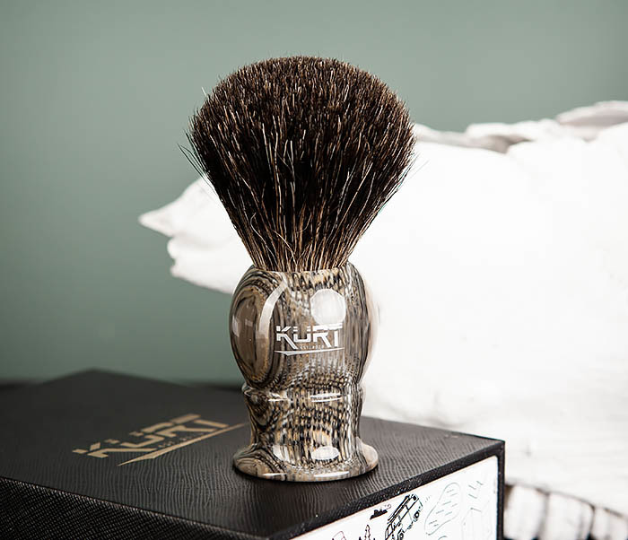 RAZ473 Помазок из барсучего волоса в подарочной упаковке