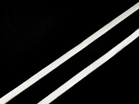 Резинка отделочная белая 6 мм (цв. 001)