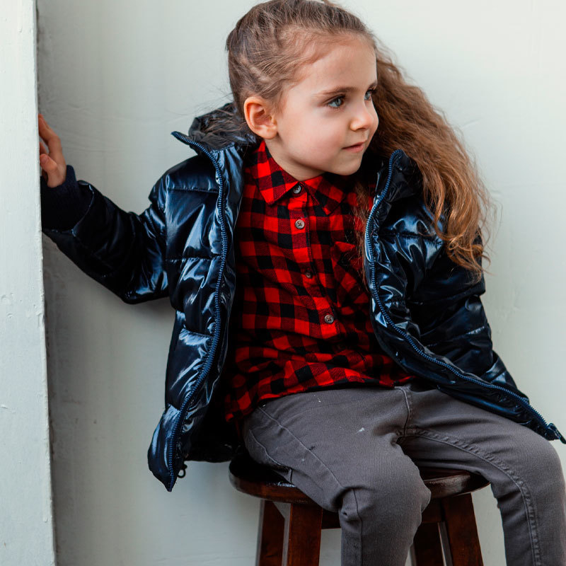 Демісезонна дитяча куртка для дівчинки в синьому кольорі