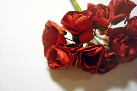 Роза бумажная, диаметр 15 мм, красный