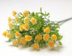 Розы искусственные пластиковые мини с зеленью, букет 32 см.