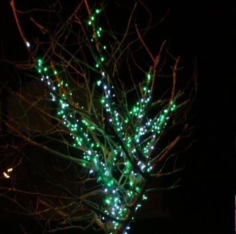 Нити гирлянды на деревья купить зеленый цвет каучук